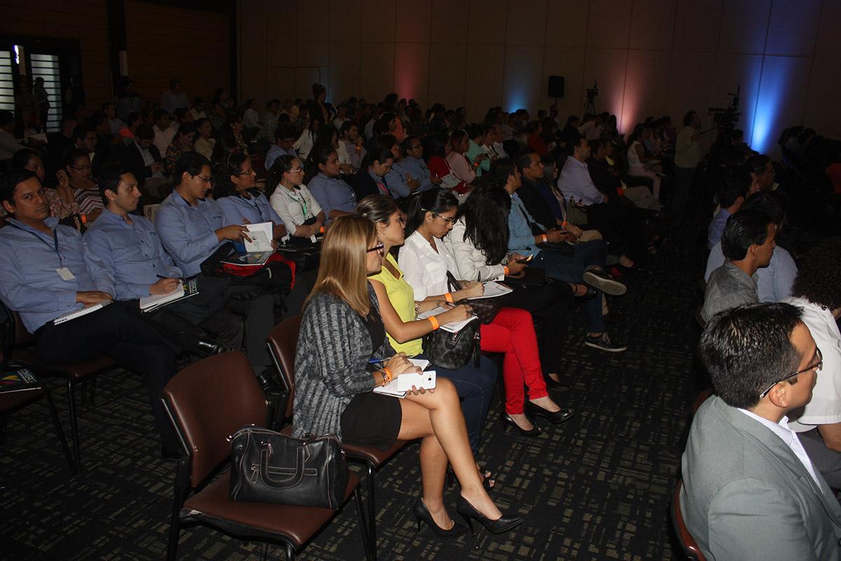 galeria-CCG-Universidad-del-Comercio-011