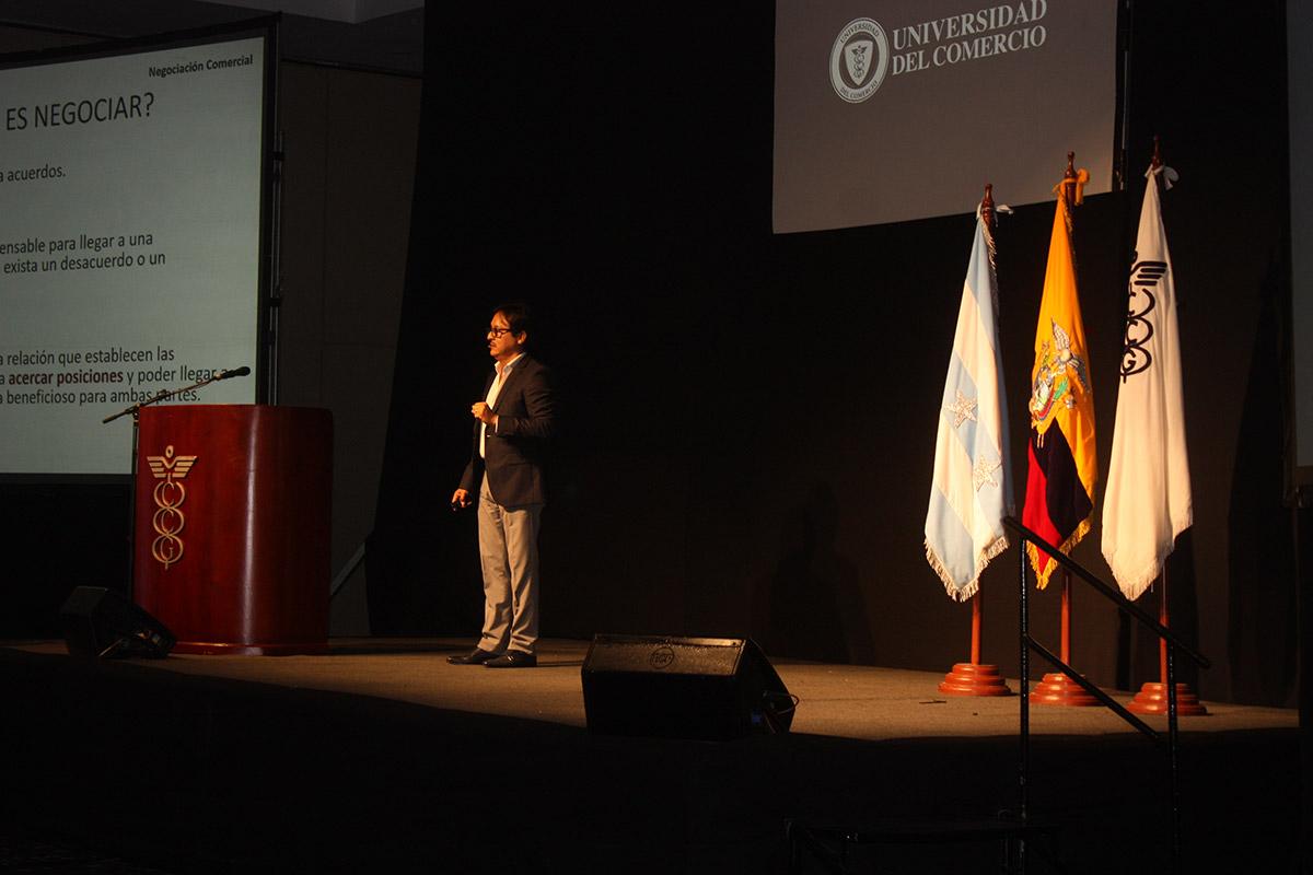 galeria-CCG-Universidad-del-Comercio-013