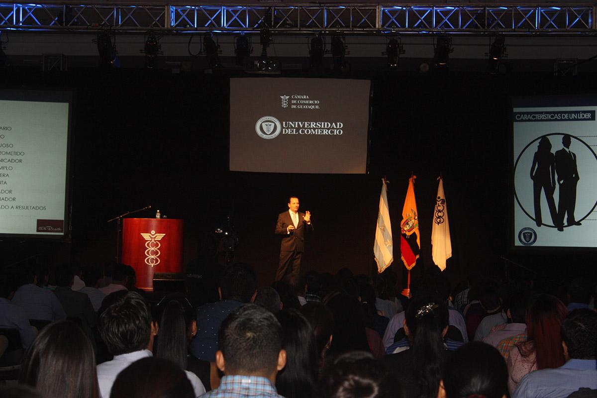 galeria-CCG-Universidad-del-Comercio-08