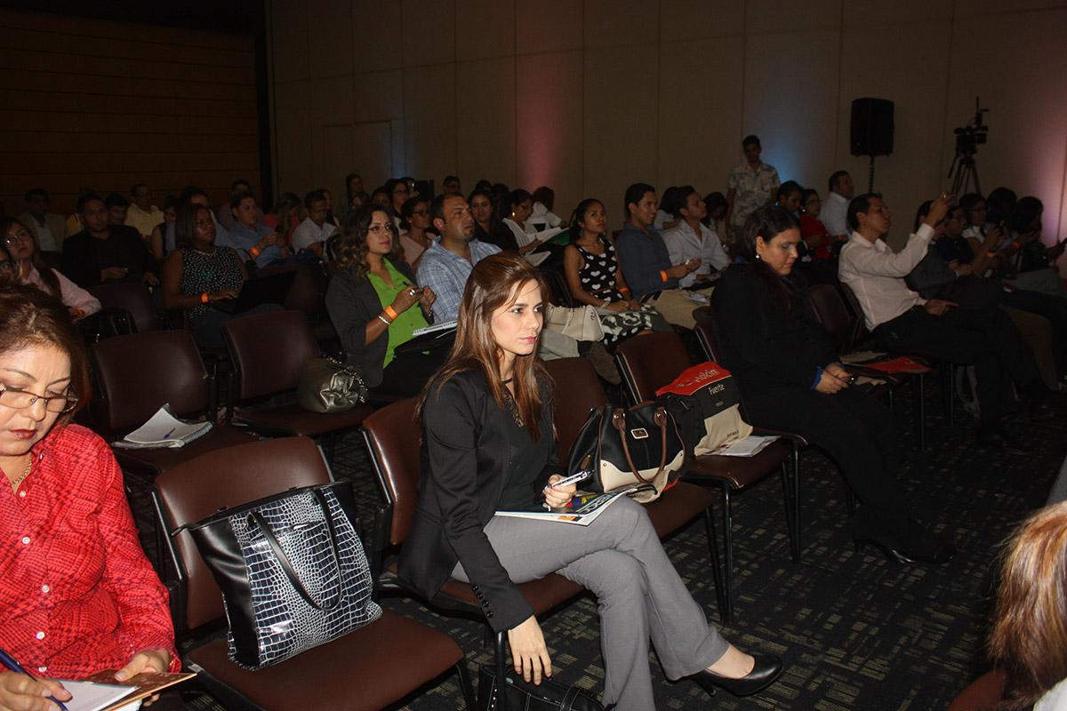galeria-CCG-Universidad-del-Comercio-09